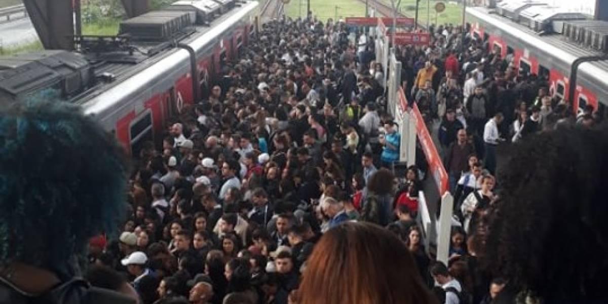 Falha na linha 9-Esmeralda deixa plataformas da CPTM lotadas