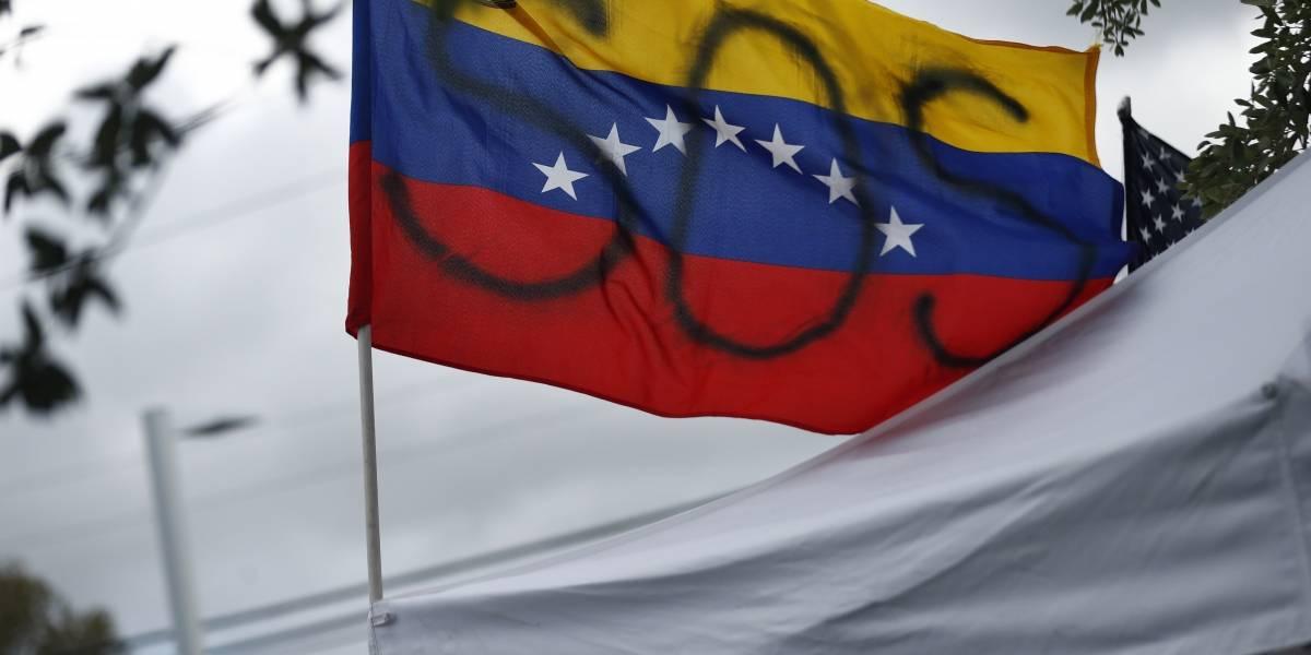 Intentaban salir de Venezuela: naufraga embarcación con más de 20 ocupantes
