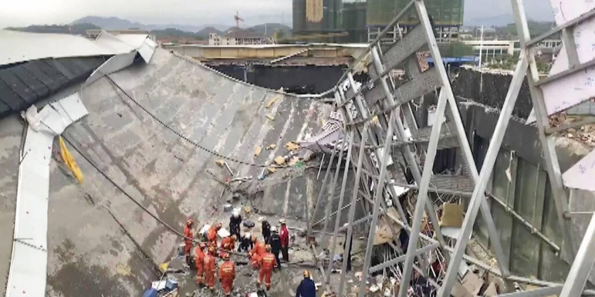 Edificio se derrumba en China y deja 3 muertos, cuatro personas sepultadas y más de 80 heridos