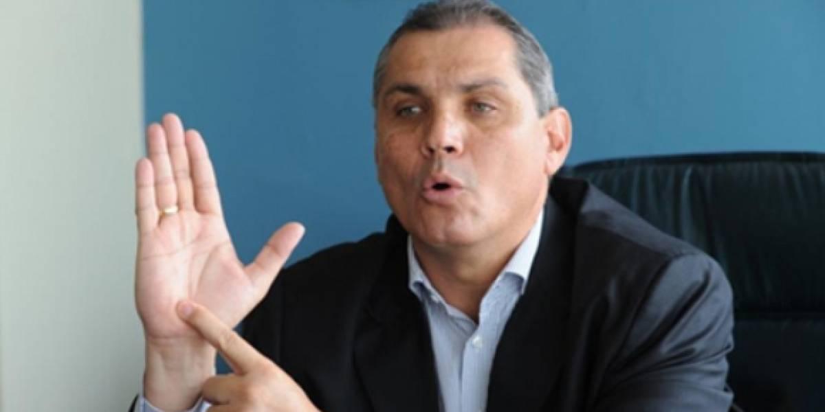Fabricio Correa renuncia a su candidatura a la presidencia
