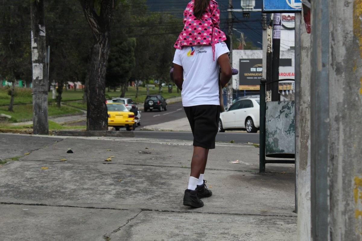 Joven cartonero en Quito