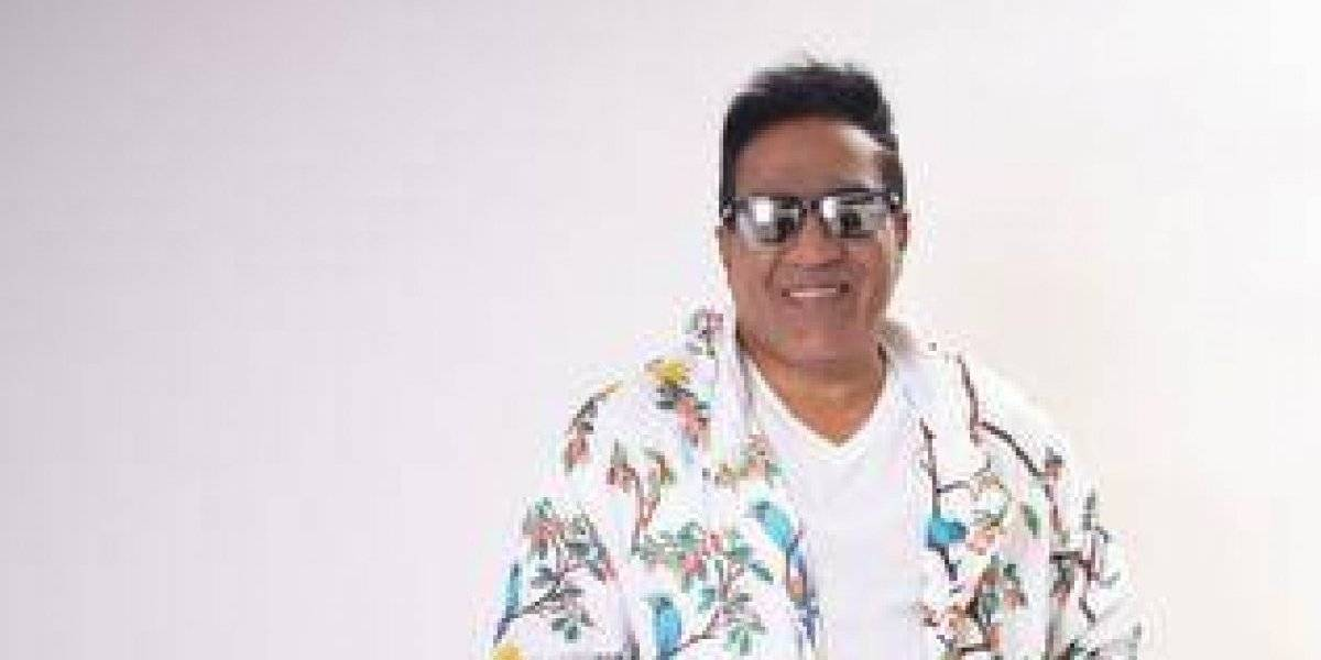 """Kinito Méndez promueve tema """"Que verano ma' bueno"""""""