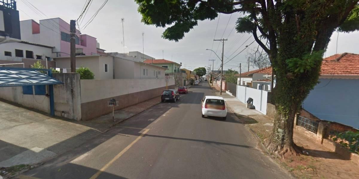 Menino de 10 anos é flagrado dirigindo carro roubado em Botucatu