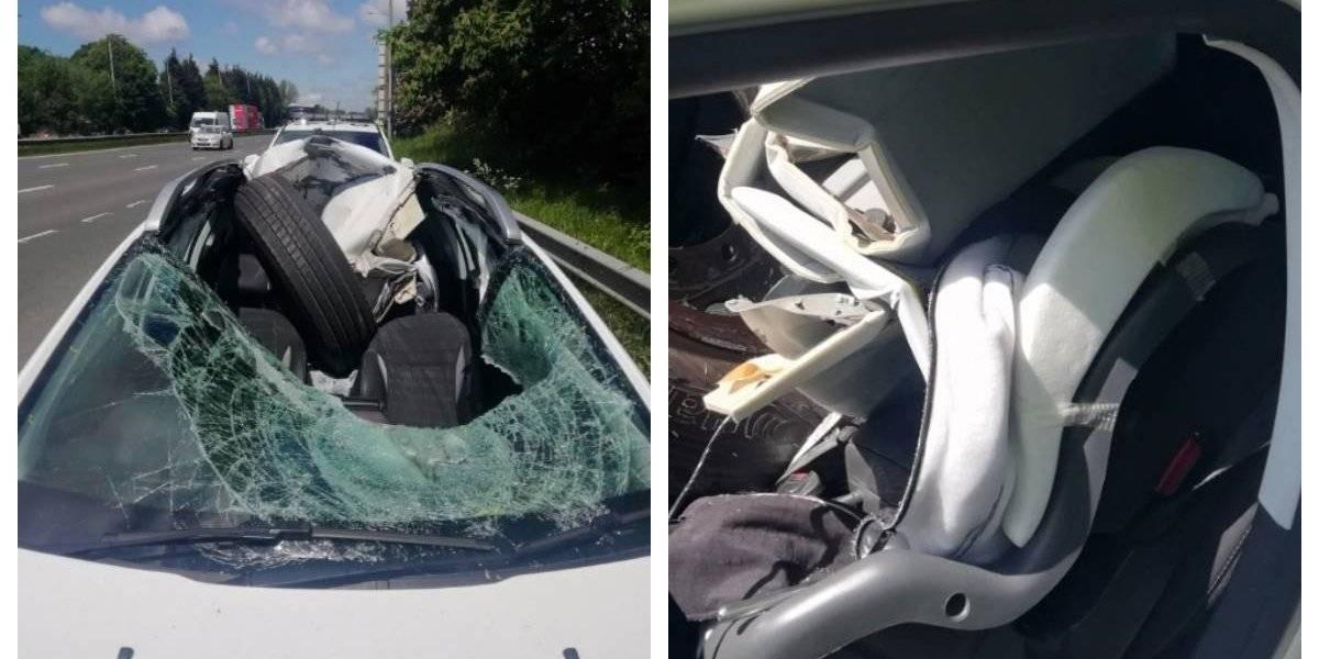 Afortunadamente iba solo: se salvó de milagro cuando un neumático volador destrozó su vehículo y se incrustó en la silla en la que lleva a su pequeño hijo