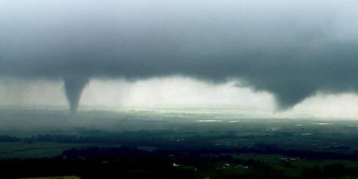 Confirman tornado cerca del aeropuerto internacional en Oklahoma