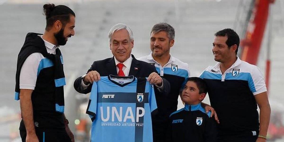 """Piñera lanza """"palos"""" a la U y a Deportes Iquique en su visita al Estadio Tierra de Campeones"""