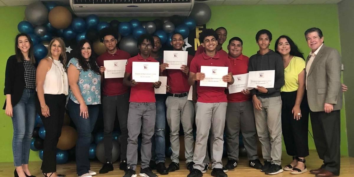 Jóvenes de Loíza aprenden a cómo enfrentar su futuro