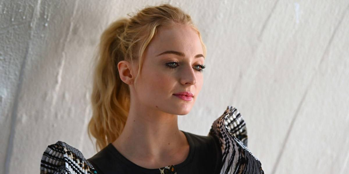 """Sophie Turner critica petição contra última temporada de Game of Thrones: """"Desrespeitoso"""""""