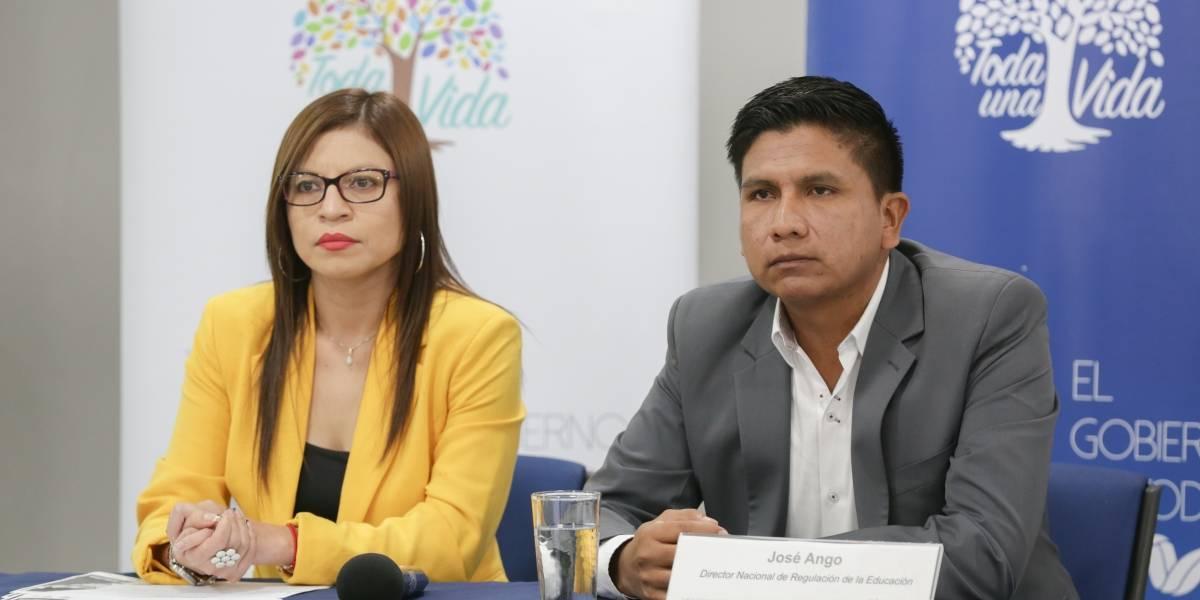 ¿Cómo es el proceso de  inscripciones para instituciones educativas fiscales de la Sierra y Amazonía?