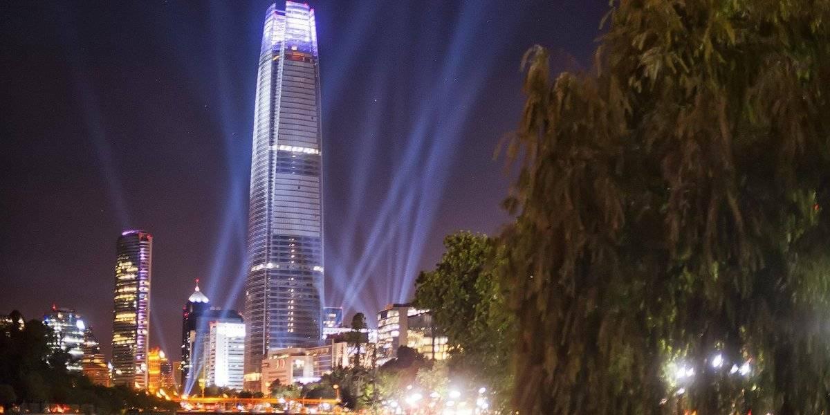 Invasión de la luz fría en los cielos nocturnos: las medidas que estudia el gobierno para proteger al país de la contaminación lumínica