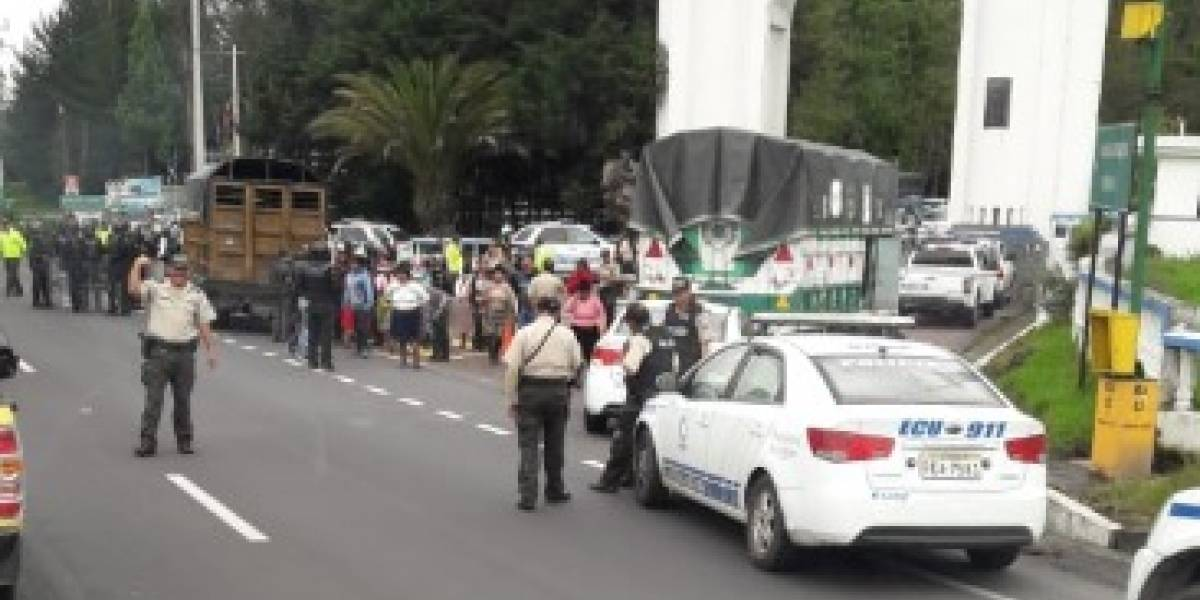 Policía Nacional se pronuncia sobre supuesta detención de camiones con niños amarrados
