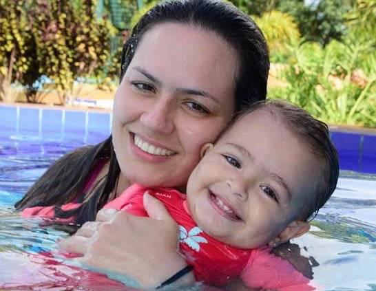 Flávia Ferreira e a filha Antonella