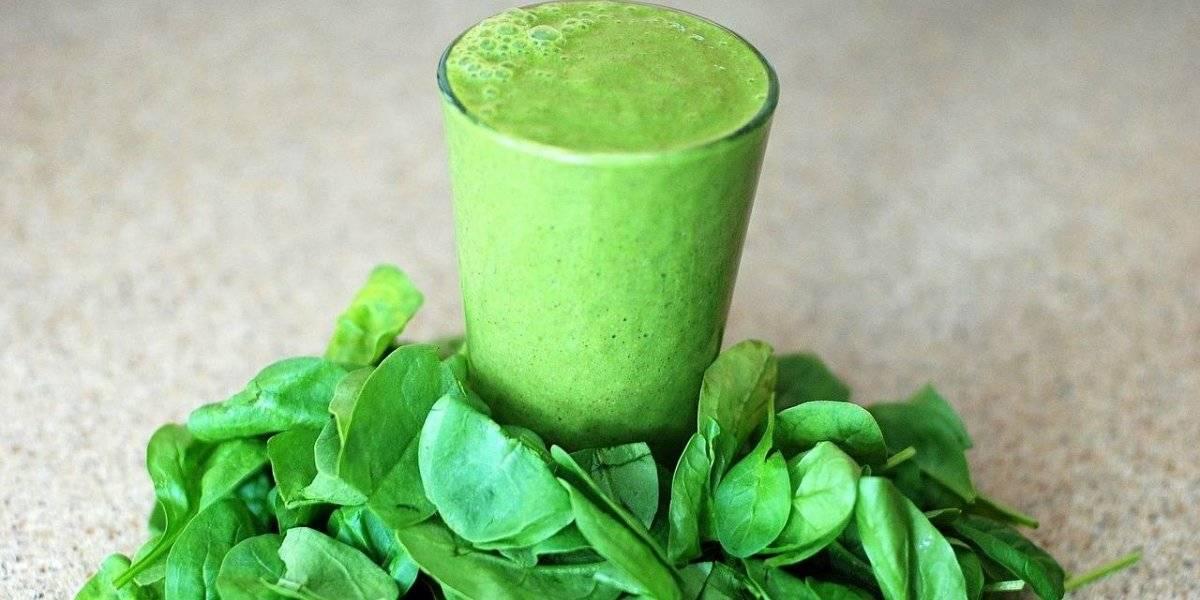 Vitamina de maçã e espinafre ajuda a emagrecer e dá energia