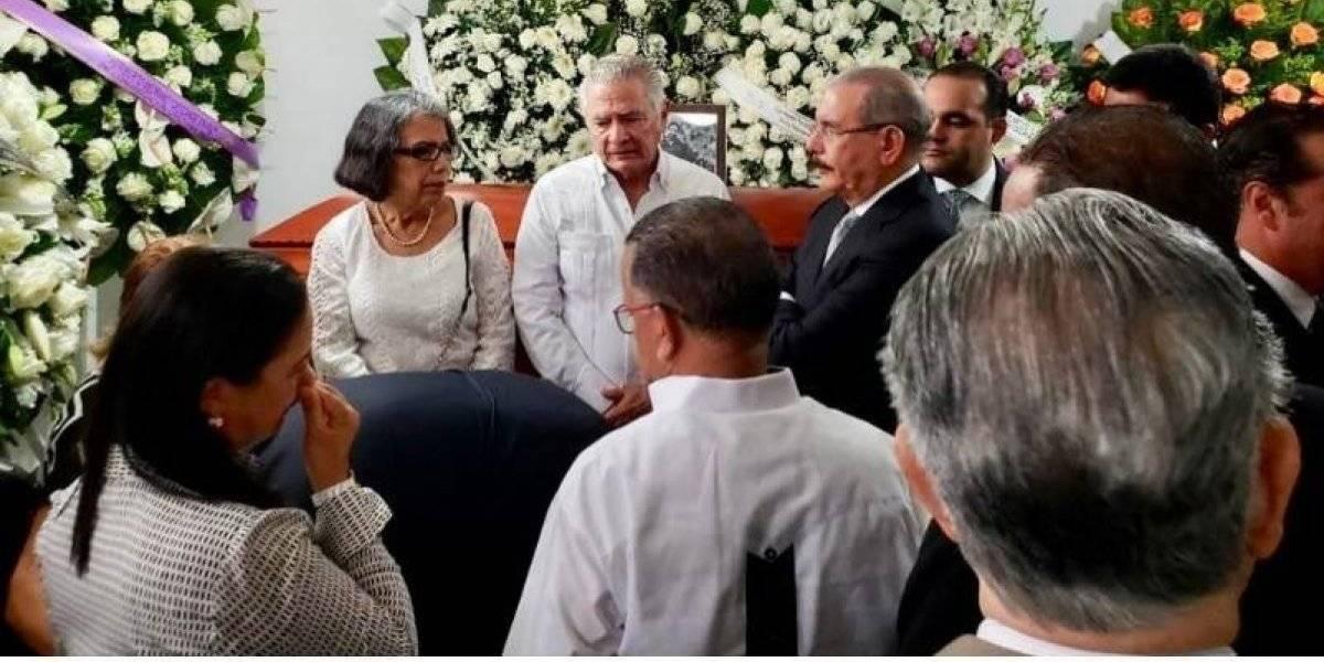 Medina acudió a La Vega a dar el pésame a la familia de Juan Heriberto Medrano