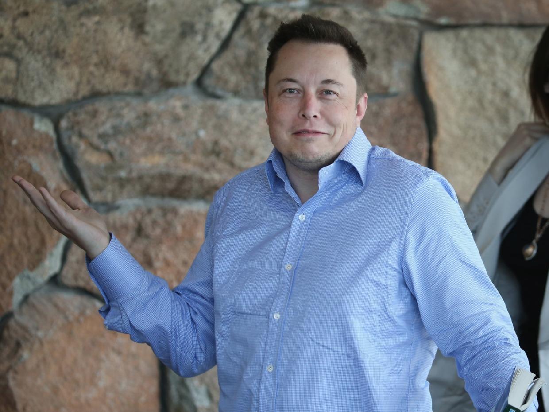 Tesla estrena nueva aplicación arcade la cual transforma los volantes de sus autos en mandos para jugar