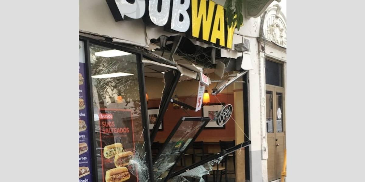 Ladrones chocan contra un Subway para robarse 50 dólares