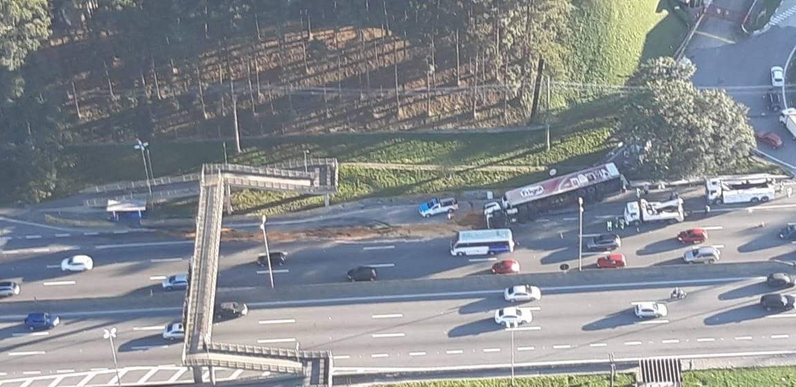 Rodovia Raposo Tavares, acidente com carreta