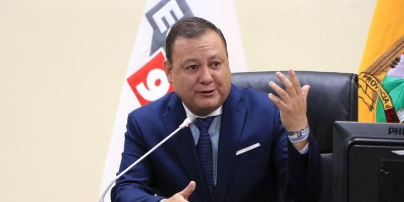 Juan Zapata fue posesionado como Director General del ECU 911 | Metro  Ecuador