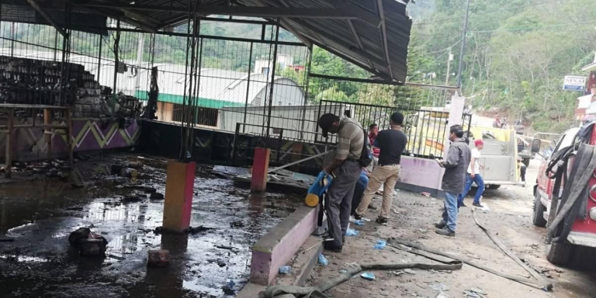 Bodega con fuegos artificiales se incendia en Huehuetenango