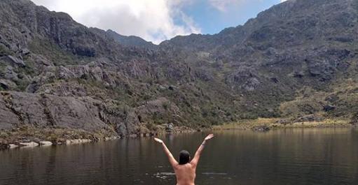 Sancionan a mujer que posó desnuda en la laguna de Santurbán