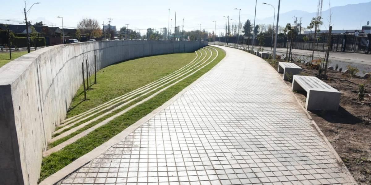 Intendenta metropolitana inauguró el Parque Marathon que beneficiará a vecinos del Estadio Monumental