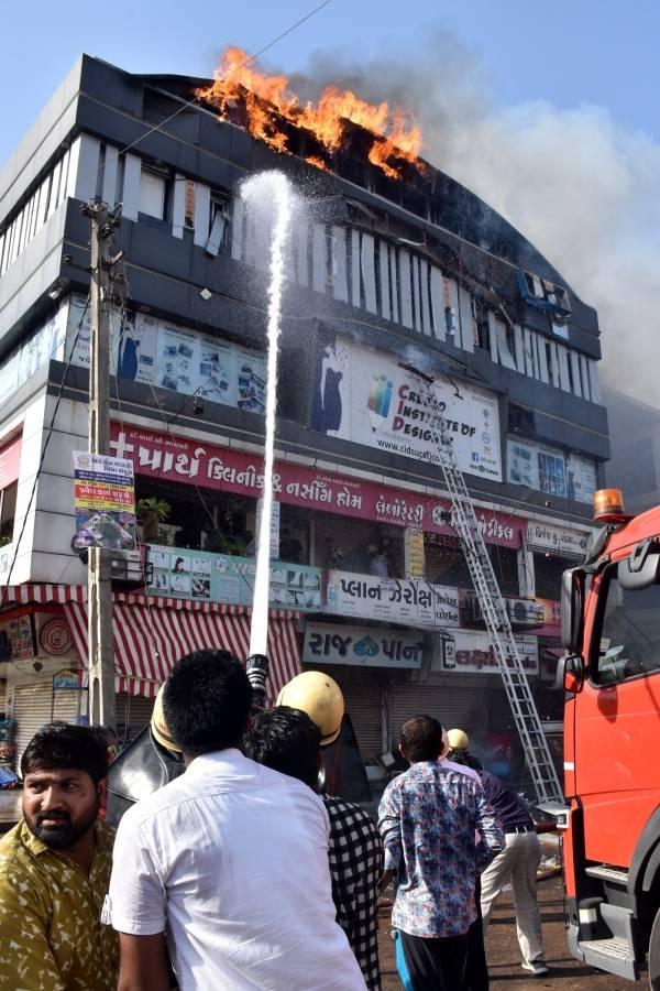 incêndio prédio india