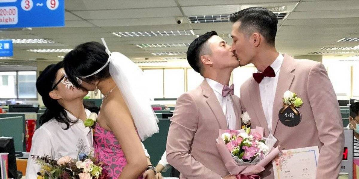 Histórico: cientos de parejas contraen matrimonio en primer día de legalización del matrimonio homosexual en Taiwán