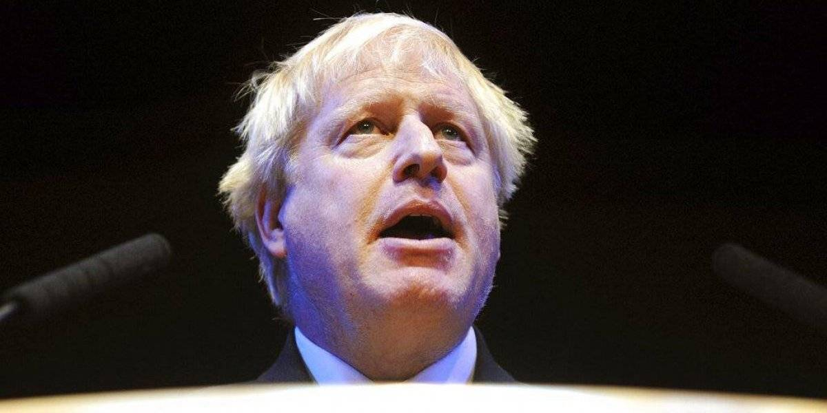 Boris Johnson comienza quedándose solo: varios ministros renuncian ante la llegada del rubio político