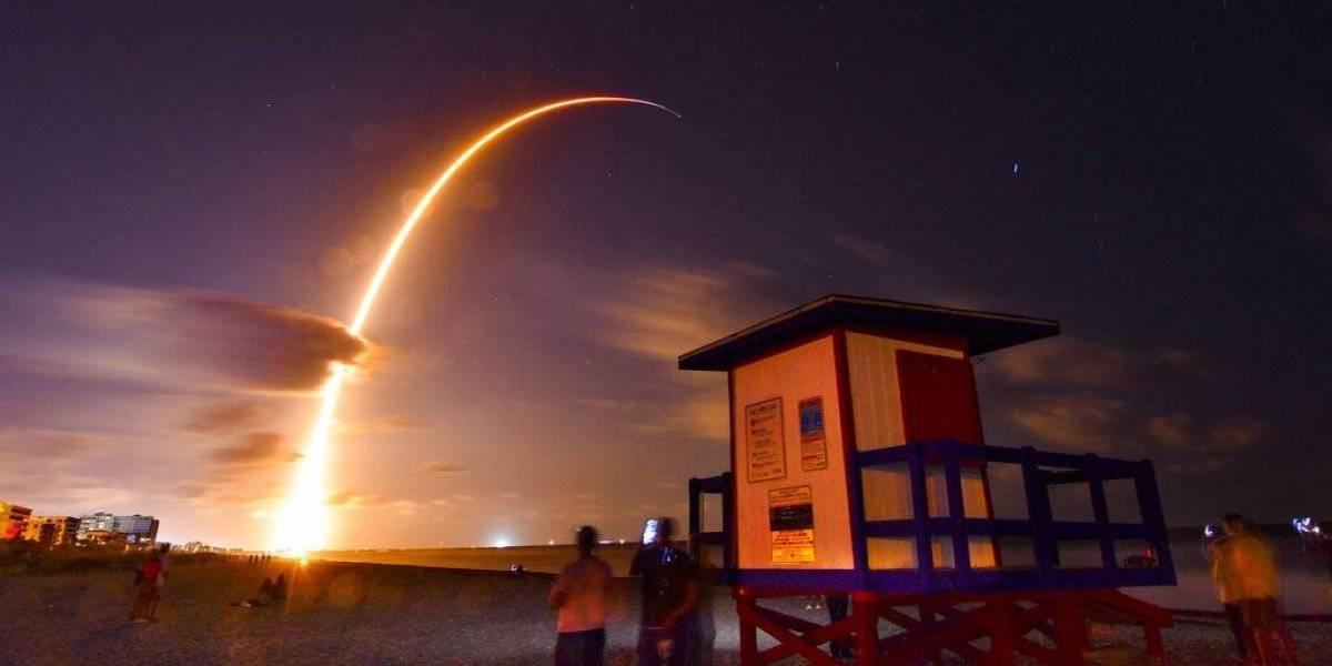 SpaceX lanza 60 satélites pequeños