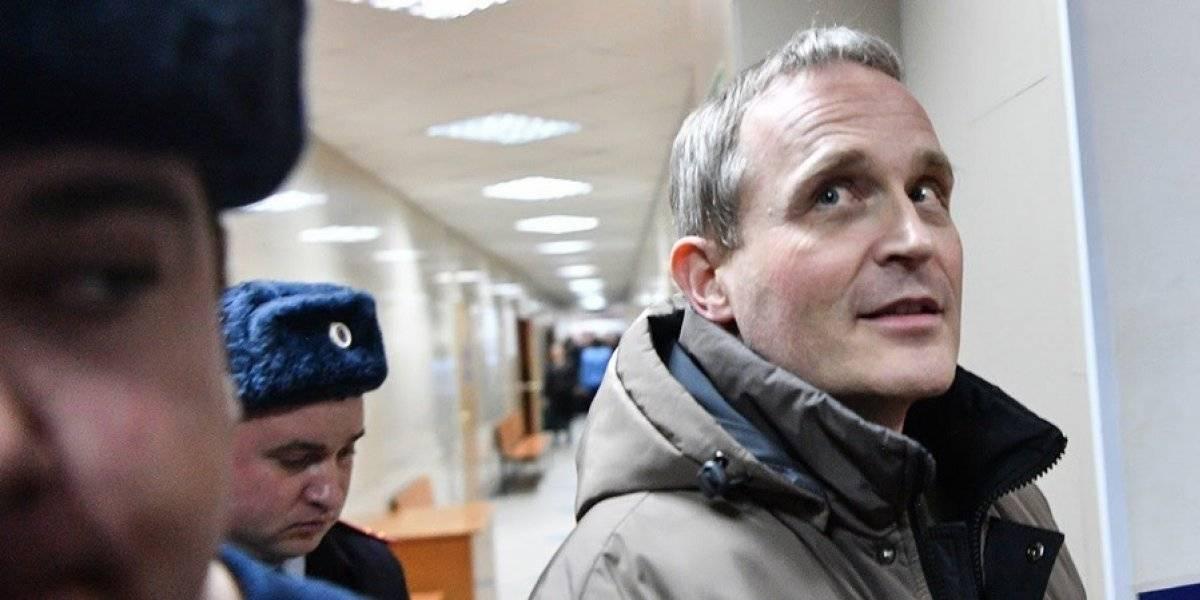 Rusia condena a seis años de cárcel a hombre por ser testigo de Jehová