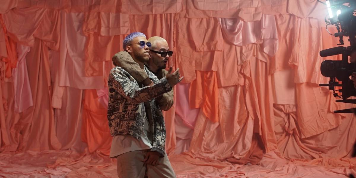 "Jhay Cortez presenta su álbum ""Famouz"""