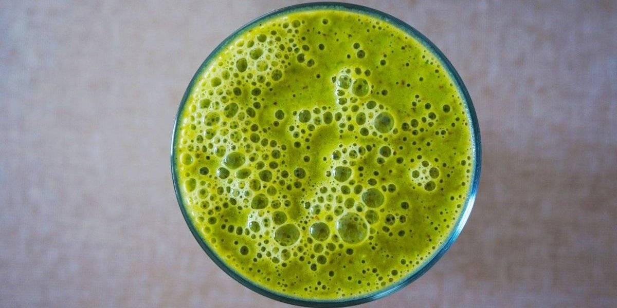 Combata a anemia e o diabetes, e perca peso com esta vitamina de maçã e agrião