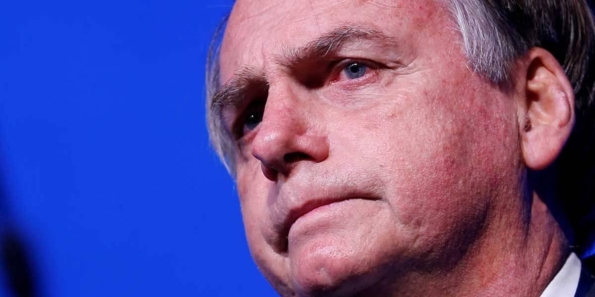 'Povo está indo às ruas em defesa do futuro da nação', diz Bolsonaro