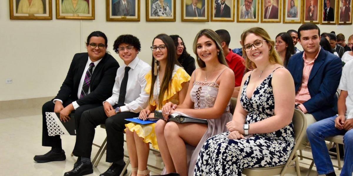 Educación reconoce a 35 estudiantes por proyectos de impacto a comunidades