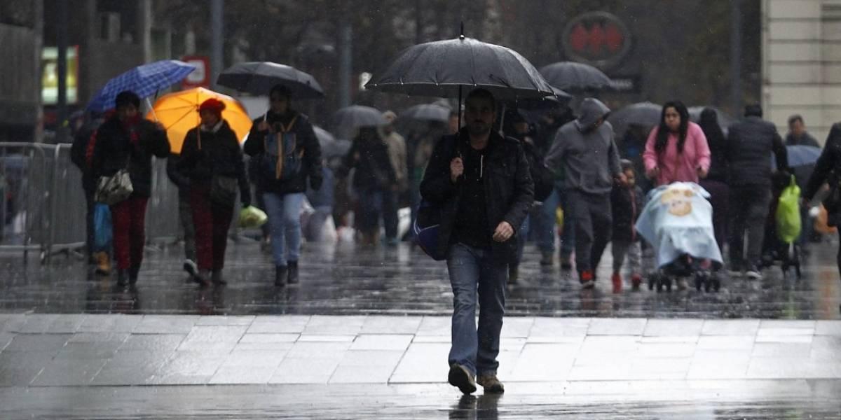 Enel activa plan preventivo en la Región Metropolitana ante pronóstico de lluvia