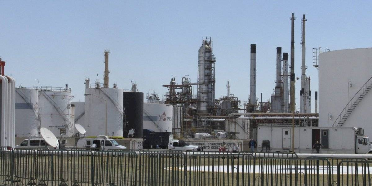 AMLO pide que industria petrolera sea palanca de desarrollo nacional