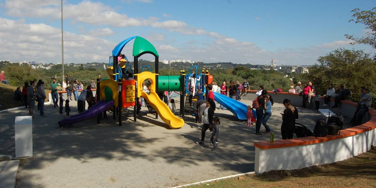 Praça do Pôr do Sol recebe reformas em Pinheiros