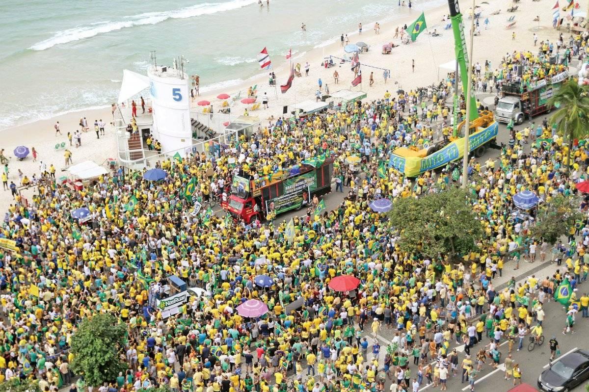 Ato na avenida Atlântica, na orla de Copacabana Cesar Sales/AM Press & Images/Folhapress