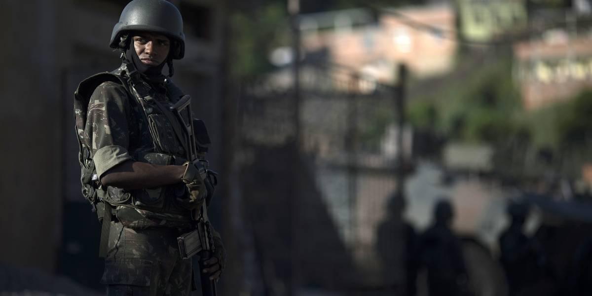 Bolsonaro continúa con las armas: la megalicitación que planea para al Ejército y la policía