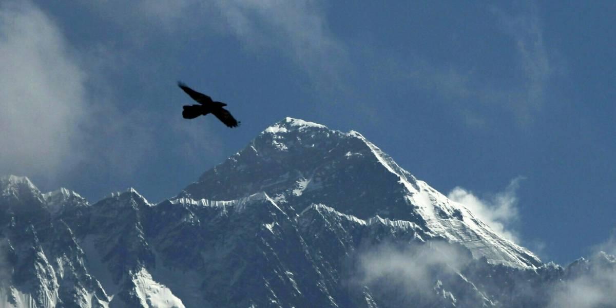 Montañista muere poco después de llegar a cima del Everest