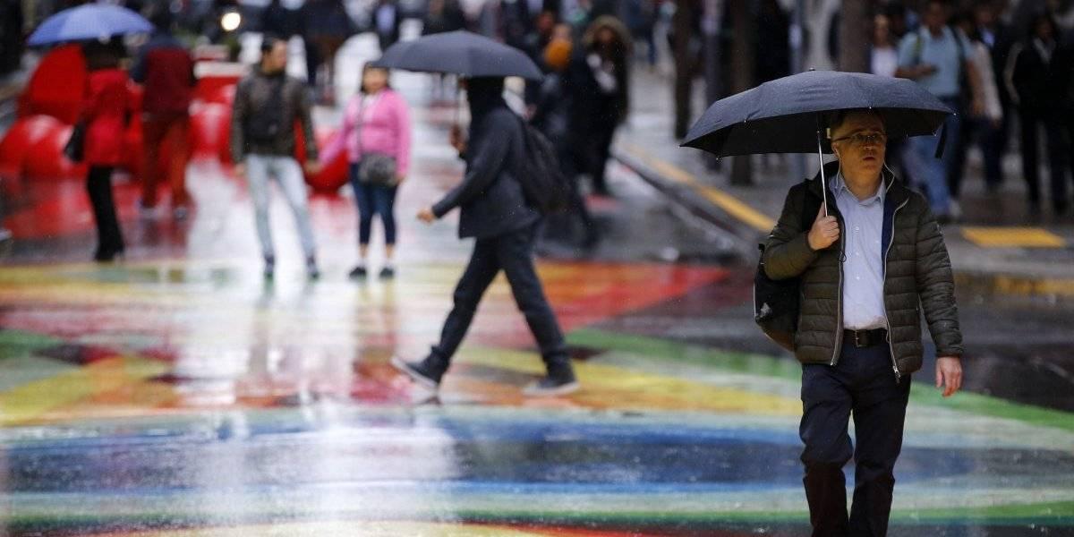 ¿Se viene el chaparrón? Primer aguacero del año en Santiago vendrá acompañado de hasta 30 milímetros durante la semana