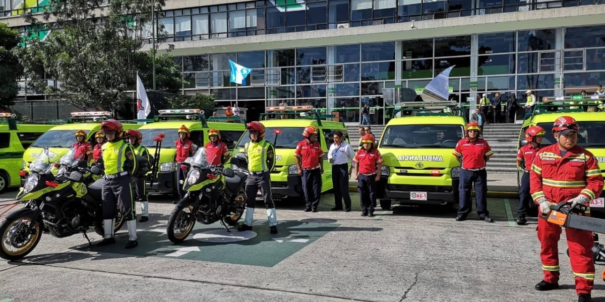 MuniGuate entrega ambulancias y equipo a Bomberos Municipales