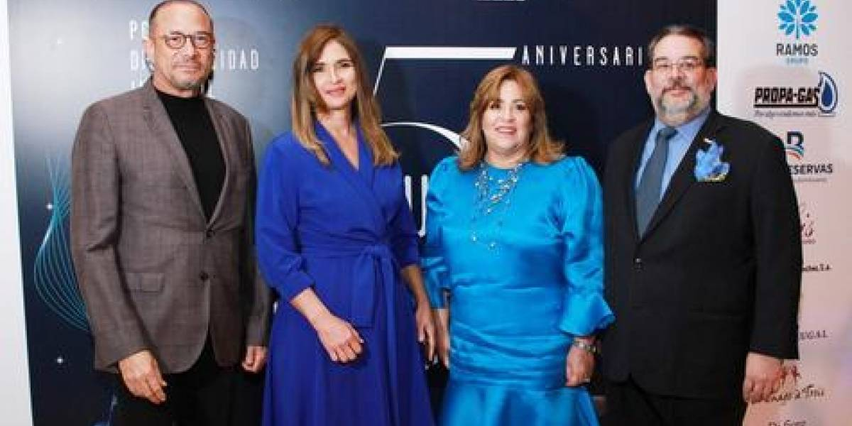 """Quinto aniversario de """"Noche azul"""" fue celebrado con Carlos Alfredo Fatule y Diomary La Mala"""