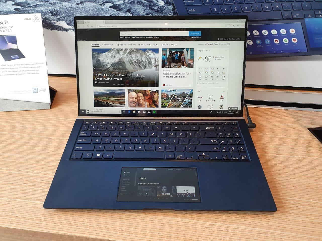Los notebooks Asus se renuevan: la línea ZenBook ahora tiene pantalla en el touchpad