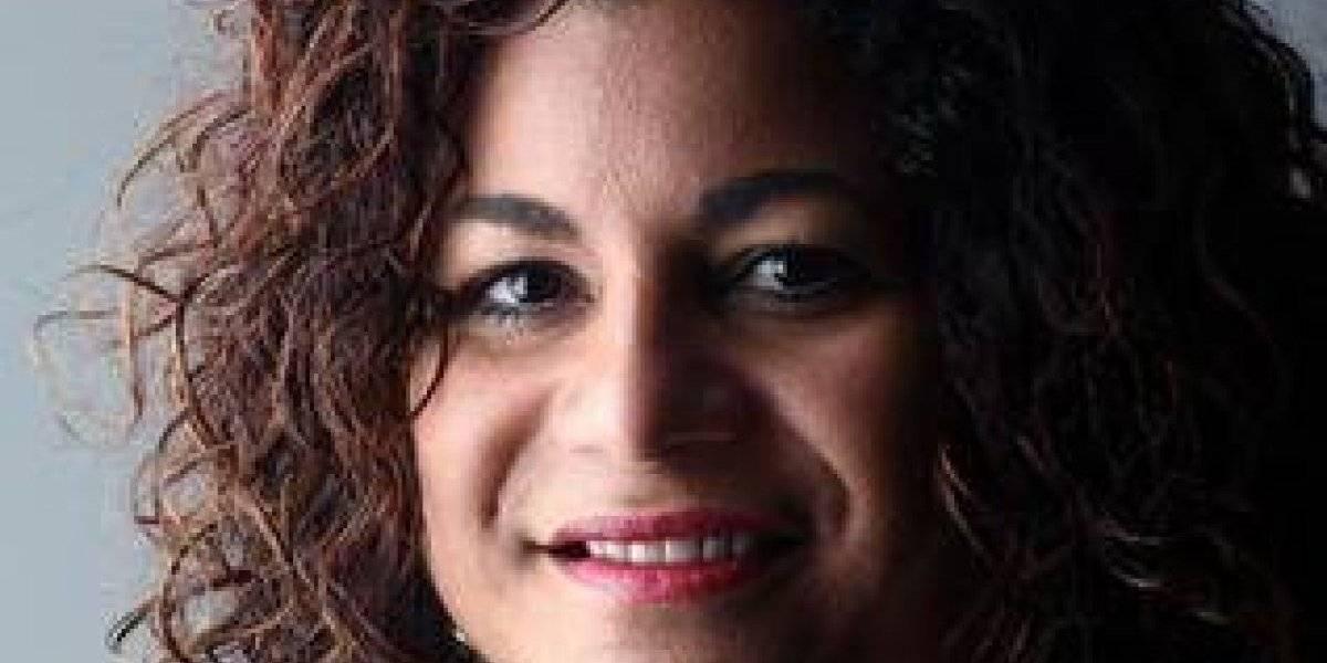 """Sandra Rodríguez Cotto presentó """"Bitácora de una transmisión radial"""""""