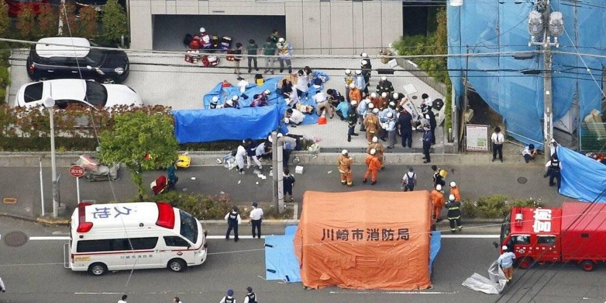 """""""Las mataré"""": hombre armado ataca con cuchillo en mano a grupo de escolares y deja dos muertos y 16 heridos en Japón"""