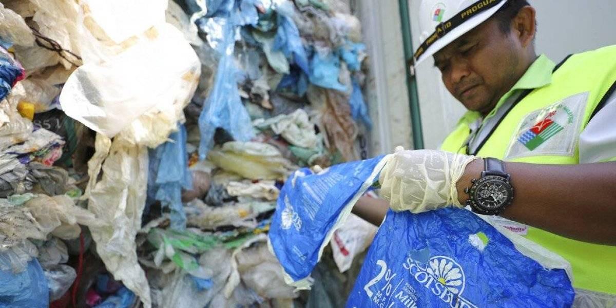 """""""No seremos el vertedero del mundo"""": Malasia devolverá 3 mil toneladas métricas de plásticos no reciclables a decenas de países"""