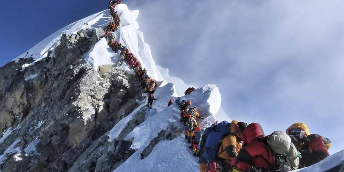 Escalada hacia la muerte: el aumento de decesos por atochamiento en el Everest sería culpa de Nepal