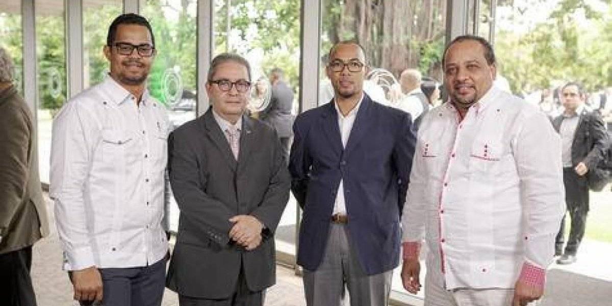 #TeVimosEn: Invitados del Congreso Enfocado en Energías Renovables y Cambio Climático realizan cóctel de clausura