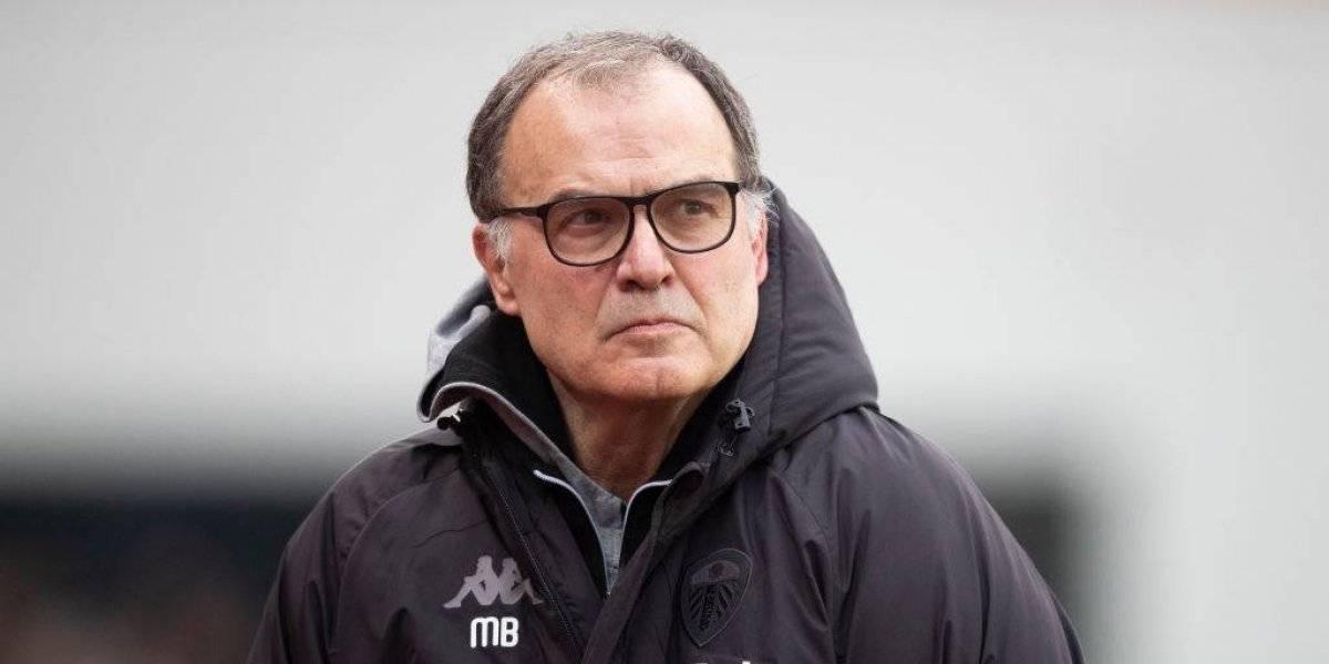 Como en el Vaticano: El Leeds anuncia que Marcelo Bielsa seguirá al mando del club